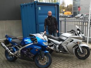 Nieuwe motor voor clublid. Kawa ZX9R ingeruild voor Yamaha FJR 1300
